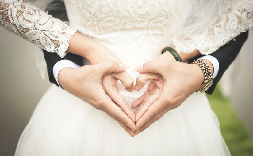 An welcher Hand trägt man den Verlobungsring?